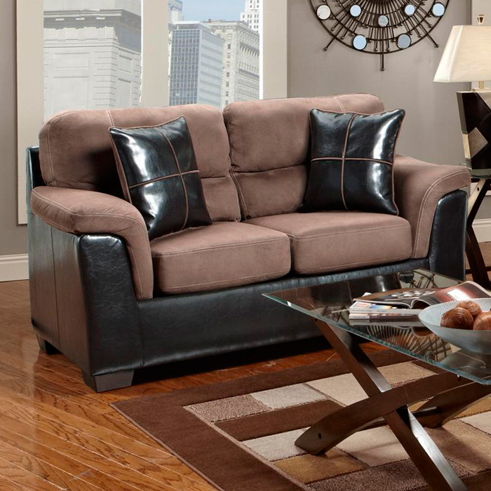 Annabelle Two-Toned Loveseat - Laredo Chocolate