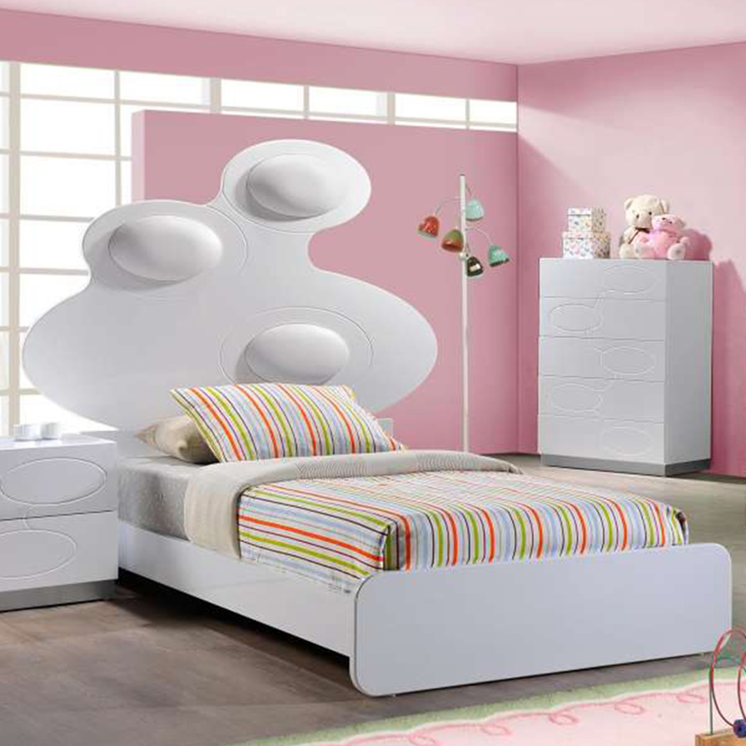 Lola Bed in High Gloss White with White Cushion
