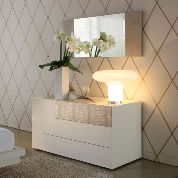Diamond Dresser with Mirror
