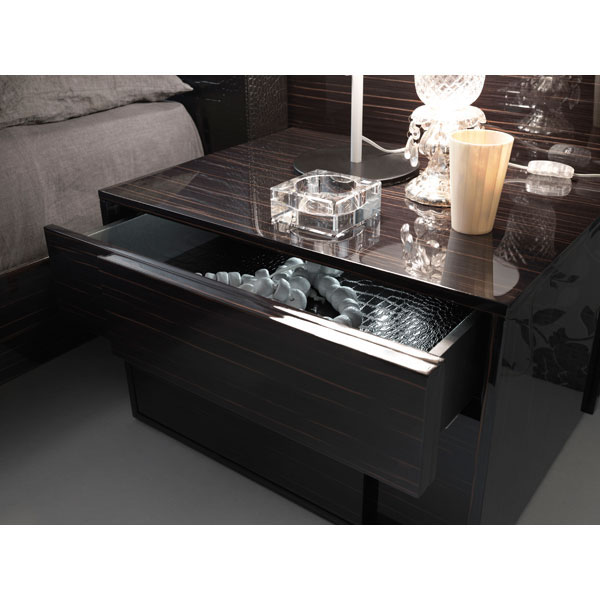 Nightfly Right Nightstand - ROS-T4125000000XX