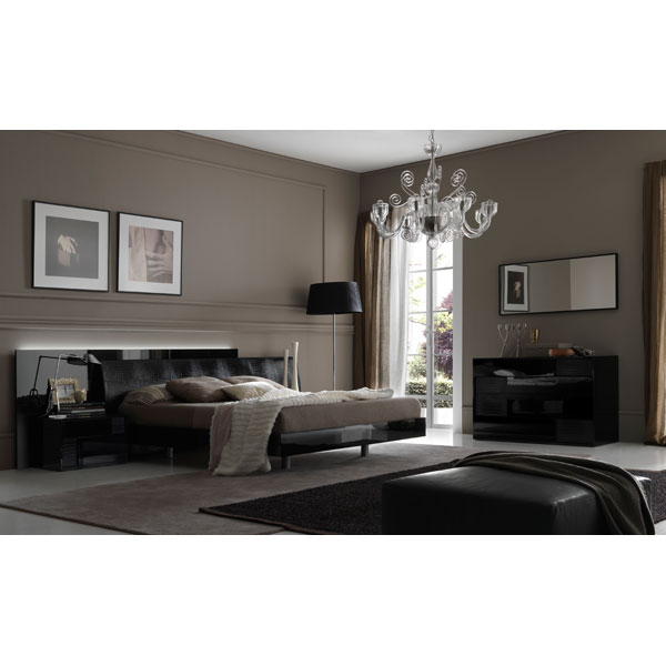 Nightfly 5 Piece Black Bedroom Set