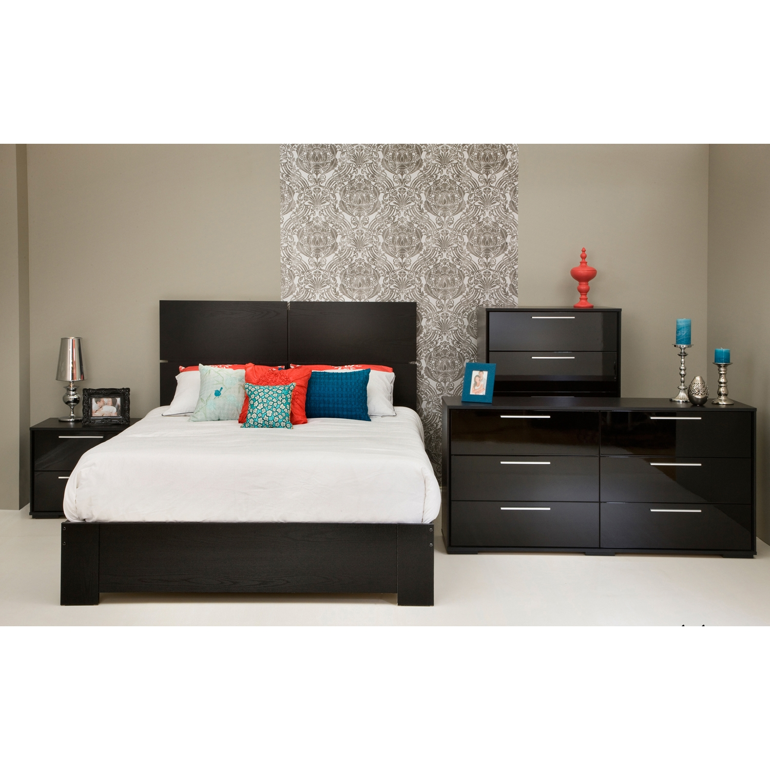Mikka Queen Platform Bedroom Set - Black Oak